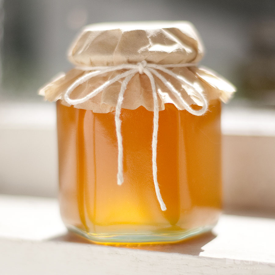 2011_Hexagonal_Beehive_Glass_Honey_Jar-030-small.jpg